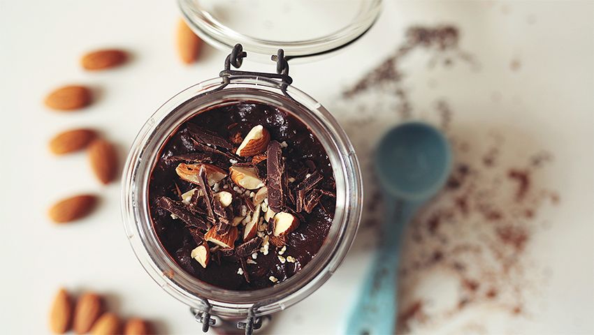 AVOCADO CHIA CHOCOLATE PUDDING 2 10 vegan and healthy snacks to satisfy your chocolate cravings
