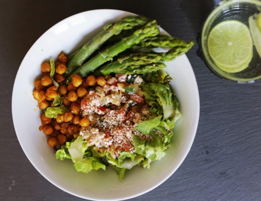 VEGAN LUNCH BOWL WITH ASPARAGUS AND CHICKPEAS