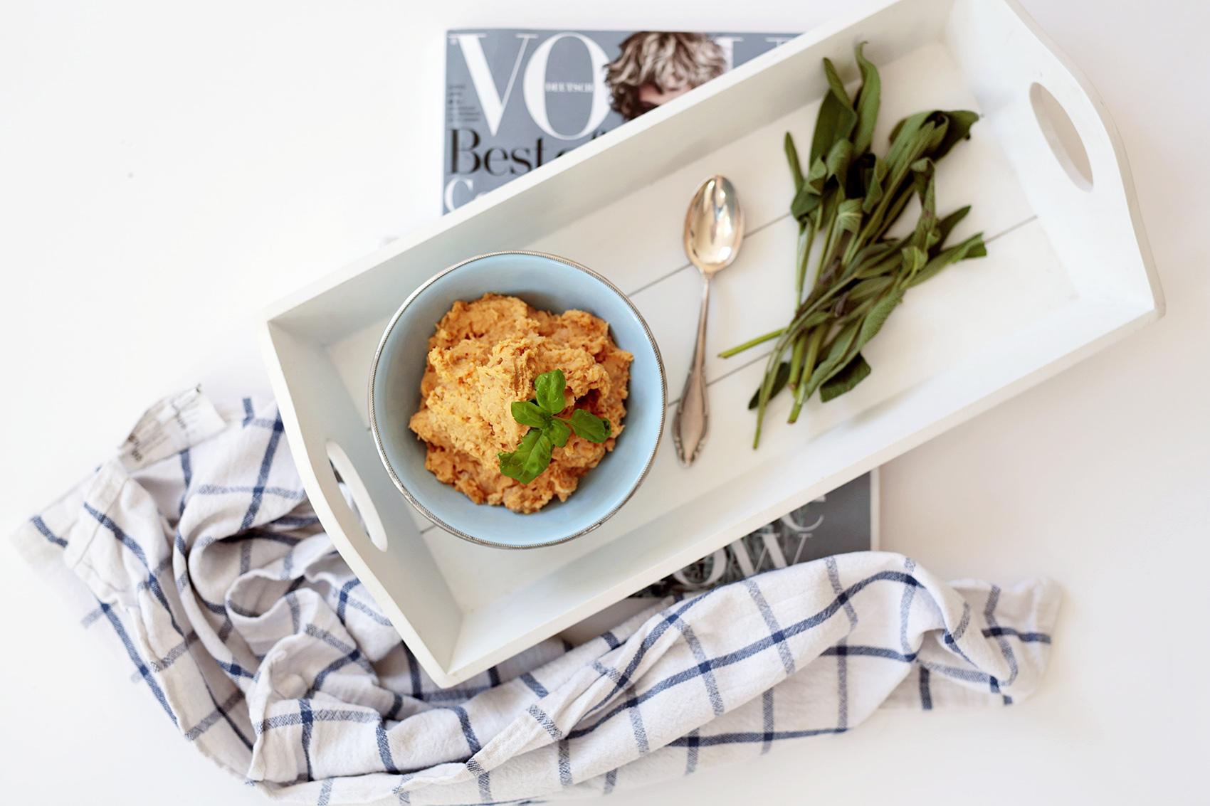 three ingredient hummus
