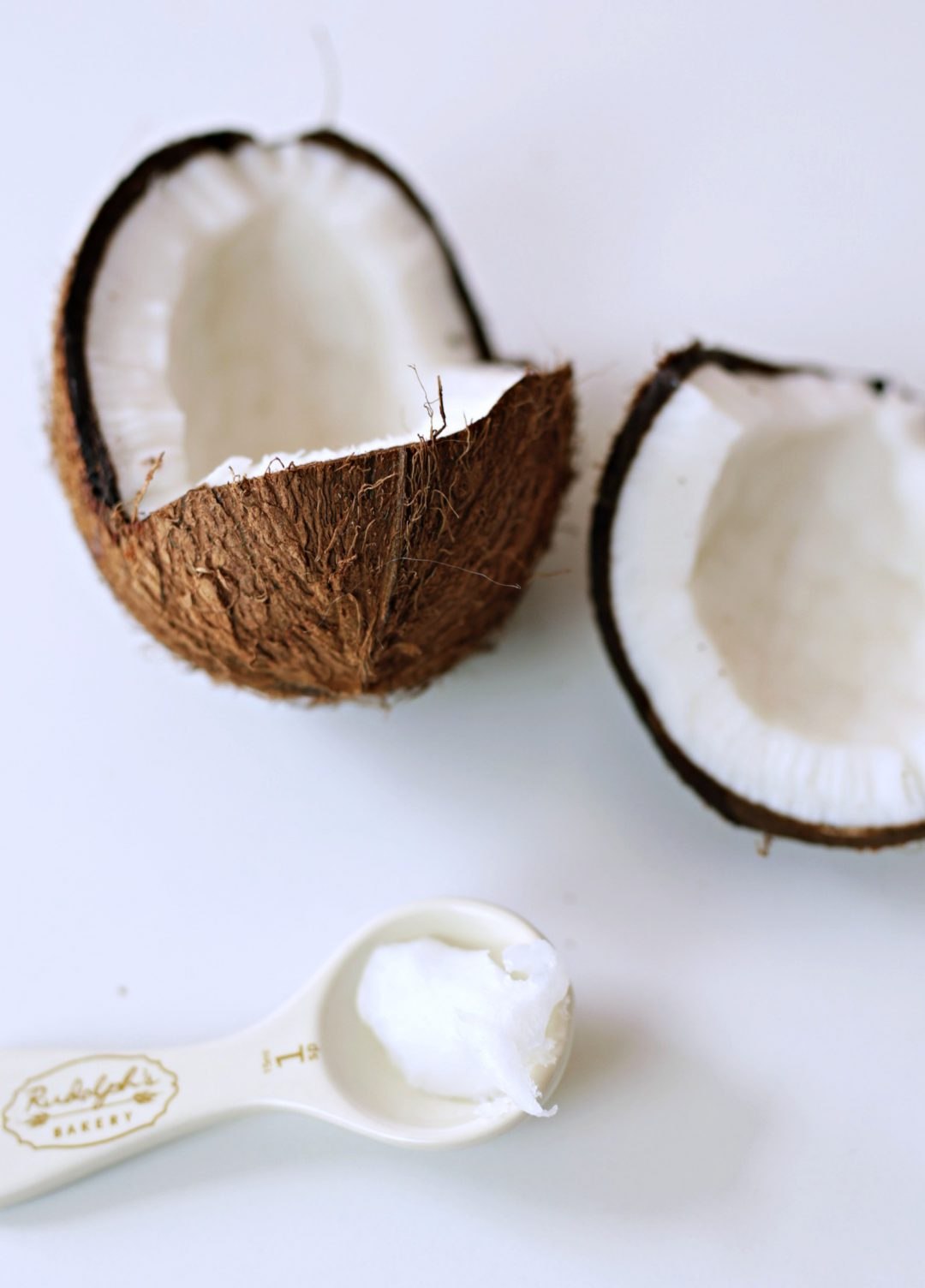 10 amazing ways to use coconut oil