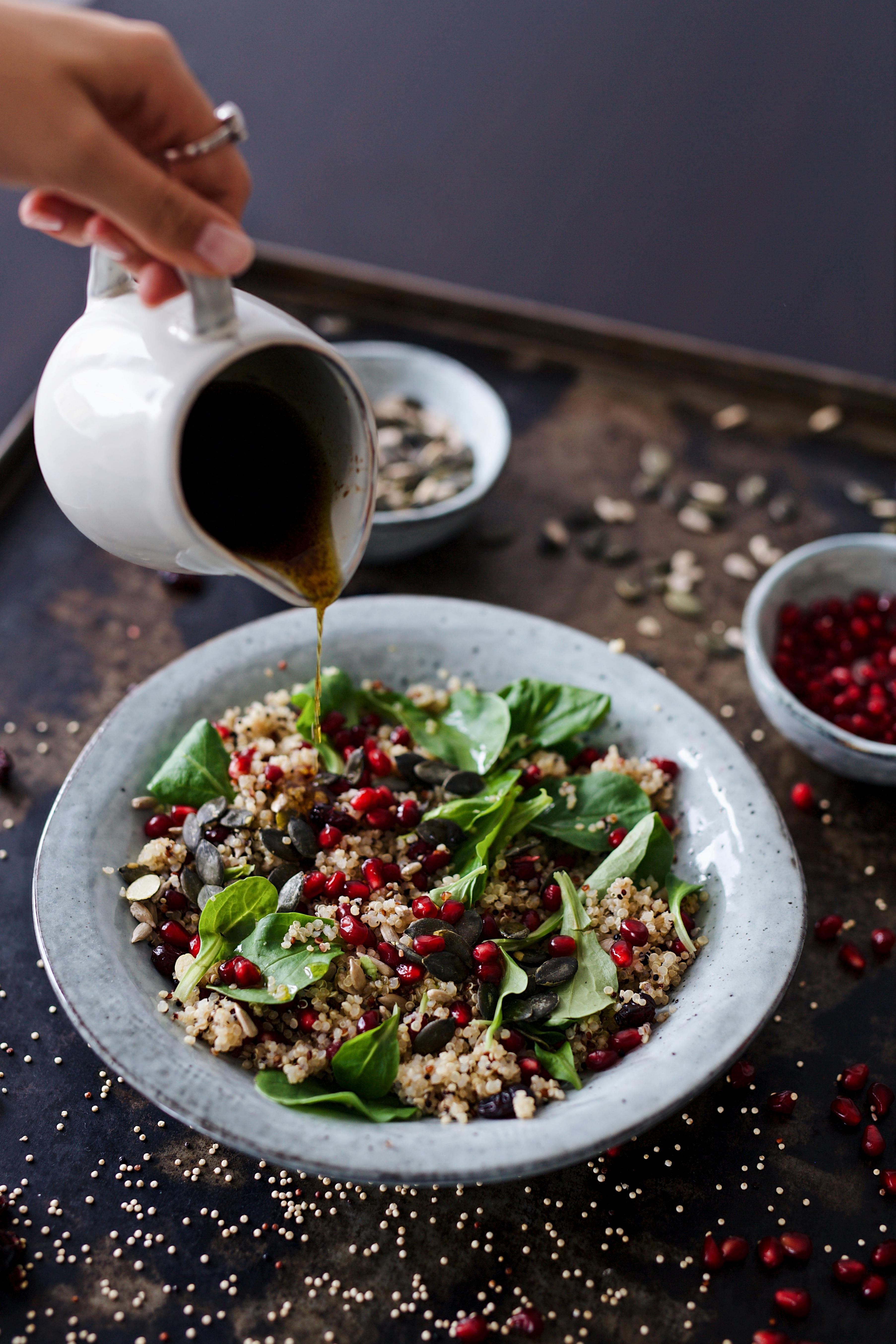 Quinoasalat mit Cranberries und Granatapfel vegan