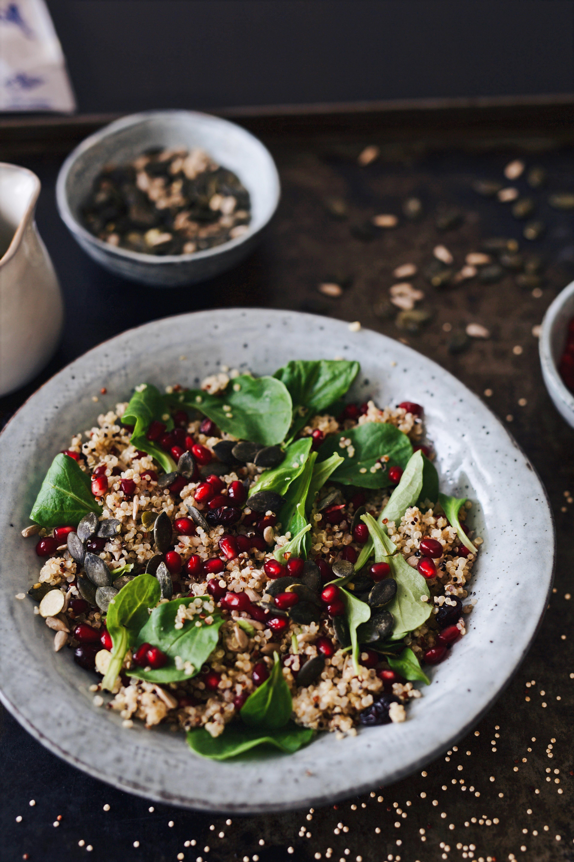Quinoasalat mit Cranberries und Granatapfel