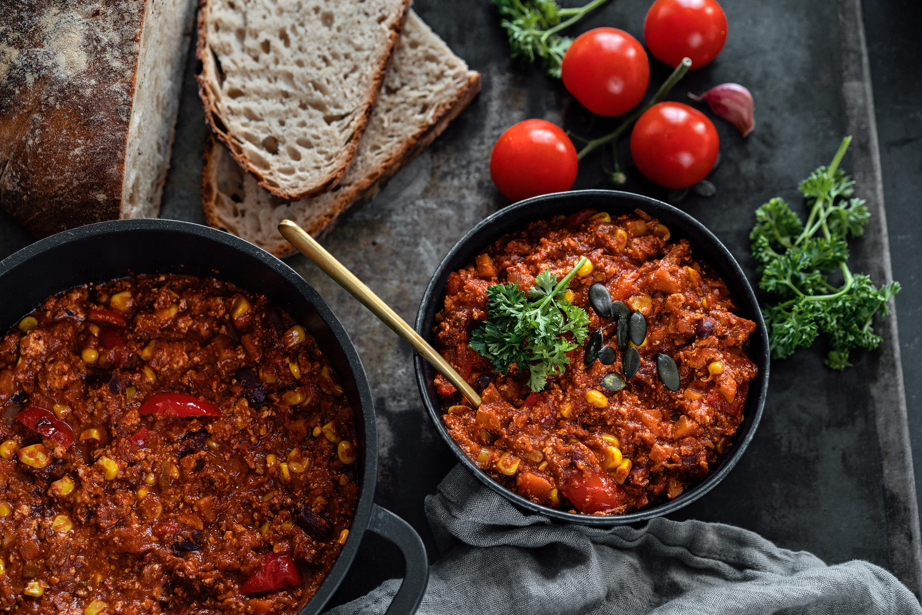 Veganes Chilli sin Carne mit Räuchertofu